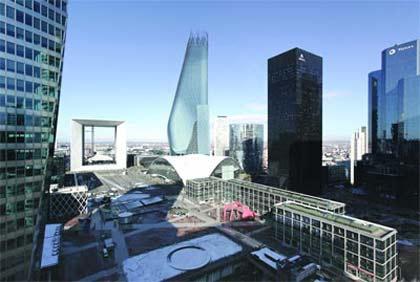 Phare sẽ nổi bật giữa khu La Defence vốn nổi tiếng với những tòa nhà chọc trời phía tây Paris