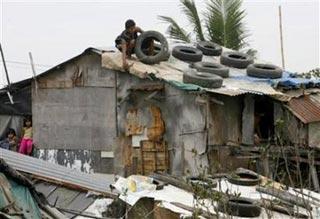 Bão Durian làm chết 20 người ở Philippines