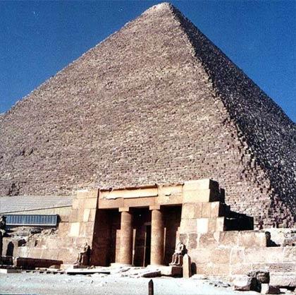 Dùng robot khám phá kim tự tháp lớn nhất Ai Cập