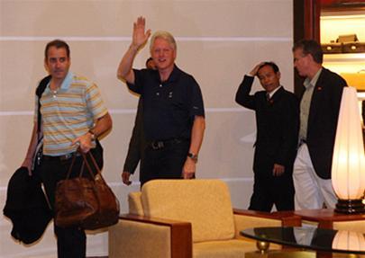 Cựu tổng thống Bill Clinton đến Việt Nam