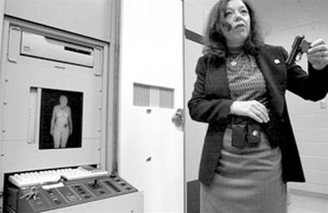 Chụp X quang, thấy hình… khỏa thân