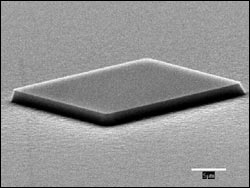 MIT nghiên cứu vật liệu chế tạo bóng bán dẫn mới