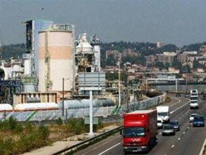 EU ban hành luật kiểm soát các chất hóa học