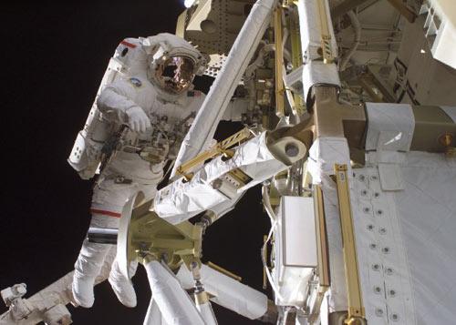 Sẽ có chuyến đi bộ ngoài không gian lần thứ 4