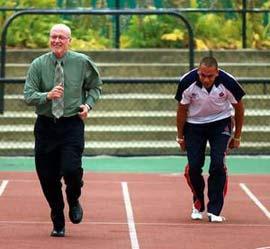 Rèn luyện trí óc giúp người cao tuổi hoạt động nhanh nhẹn