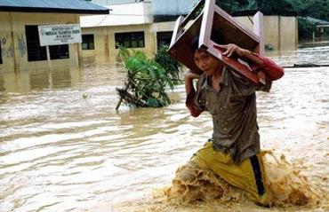 Lũ lụt ở Indonesia