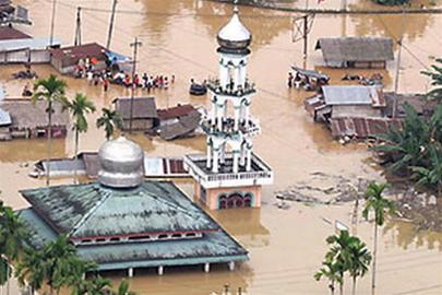 Hơn 100 người thiệt mạng do lũ ở Indonesia