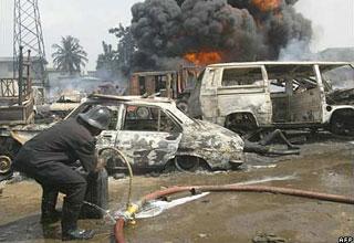 Nổ ống dẫn dầu tại Nigeria làm 260 người chết