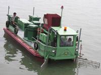 Thiết bị tự động thu gom rác trên sông