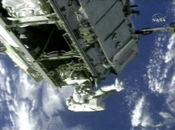 Phi hành đoàn ISS đón năm mới ít nhất 2 lần!