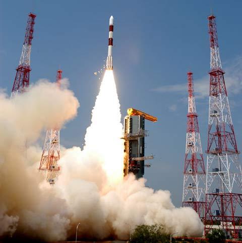 Indonesia phóng vệ tinh tự tạo đầu tiên
