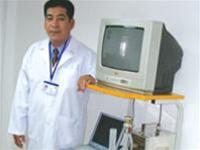 Người bác sĩ chế tạo máy nội soi
