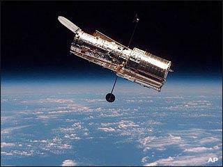 Camera chính của kính viễn vọng Hubble bị hỏng