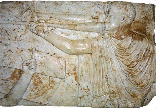 Phát hiện phù điêu chiến binh La Mã ngực trần