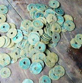 Thừa Thiên - Huế: Phát hiện ba hũ tiền cổ