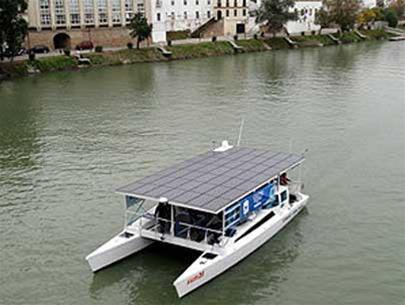 Sun21 chạy trên sông ở Seville (Tây Ban Nha)