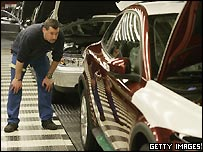 Các hãng xe hơi phải cắt giảm khí thải