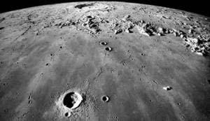Ánh sáng mặt trời đã từng chiếu lên những phần tối của mặt trăng