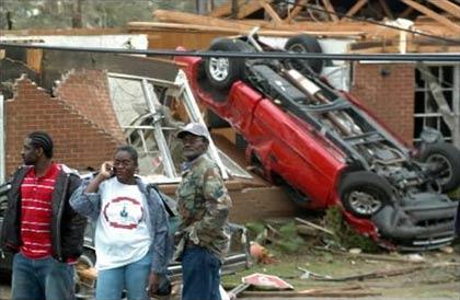 Mỹ: lốc xoáy gây thiệt hại nặng