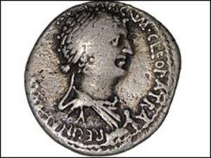 Nữ hoàng Cleopatra là người xấu xí