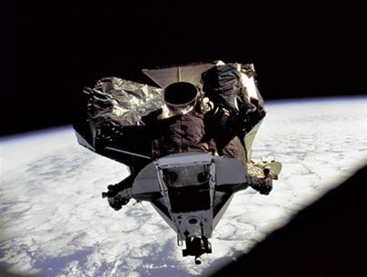 2007, Trung Quốc phóng vệ tinh thăm dò Mặt trăng đầu tiên