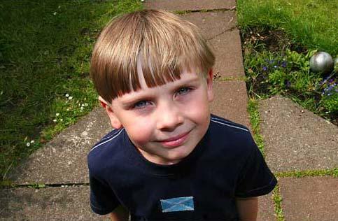 Cậu bé Cameron Macaulay