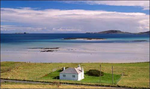 Ngôi nhà trắng bên bờ biển Barra trong trí nhớ của Cameron
