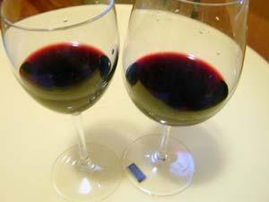 Uống ít rượu, sống lâu hơn?