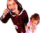 Cẩn thận khi dùng thuốc đánh răng cho trẻ