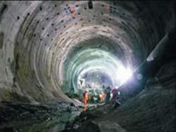 Đường hầm xuyên dãy Alpes