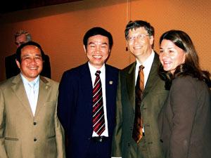 Bill Gates tìm hiểu về bài học tiêm chủng ở Việt Nam