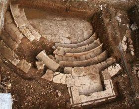 Phát hiện kho châu báu cổ ở Hy Lạp