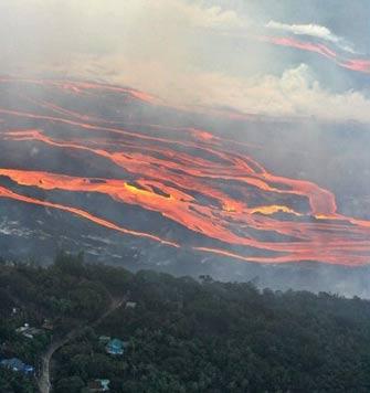 Hoạt động núi lửa ở đảo Reunion tăng mạnh
