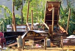 Lốc xoáy làm tốc mái hàng trăm ngôi nhà ở Quảng Nam