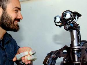 Sẽ có robot thích ứng với hoàn cảnh và con người