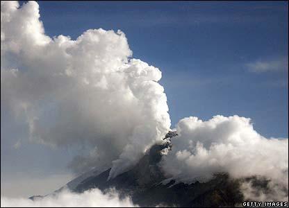 Colombia: 8.000 người đi lánh nạn vì núi lửa phun