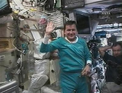 Du khách vũ trụ thứ năm trở về Trái đất