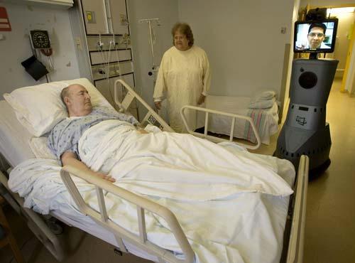 Robot trợ giúp giao tiếp trong y khoa