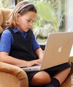 Laptop có thể ảnh hưởng đến sức khỏe trẻ em