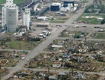Mỹ: Lốc xoáy san phẳng một thị trấn