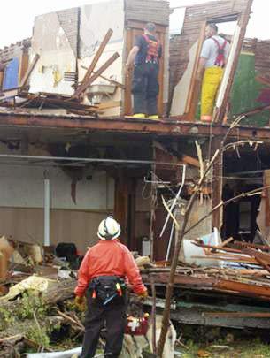 Mỹ: một ngày, 75 cơn lốc xoáy
