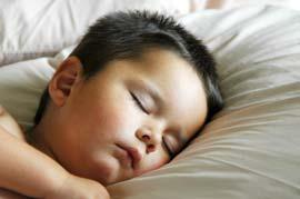 Nên cho trẻ ngủ trưa lúc 13h