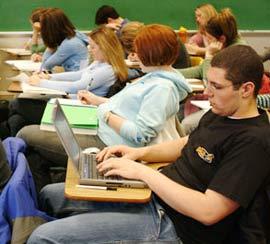 Thiết bị tiết lộ tâm trạng của sinh viên trong giờ lên lớp