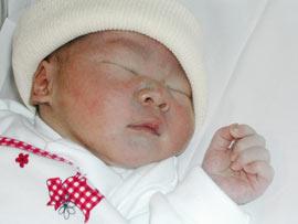 Trung Quốc: Bị phạt 78.000 USD vì có con thứ hai