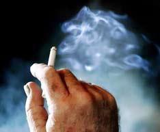 Thủ tướng chỉ thị cấm hút thuốc lá nơi công cộng