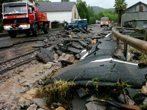 Châu Âu hứng bão lũ, 18 người thiệt mạng