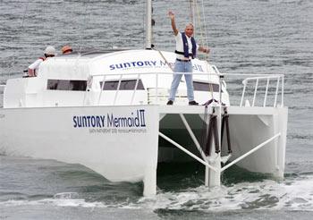 Tàu chạy bằng sức sóng đầu tiên trên thế giới