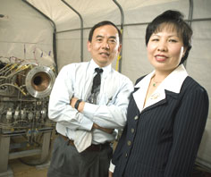Hai vợ chồng Việt ở NASA