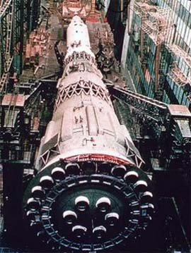 Tại sao Liên Xô (cũ) thất bại trong cuộc chạy đua lên Mặt trăng?