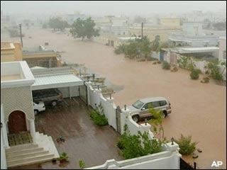 Bão Gonu làm ít nhất 75 người chết và mất tích tại Oman và Iran